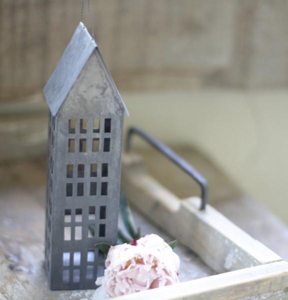 "Haus aus Metall ""Zink"",extra groß (20 cm)"