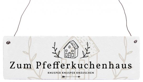 """Holzschild """"Zum Pfefferkuchenhaus"""""""
