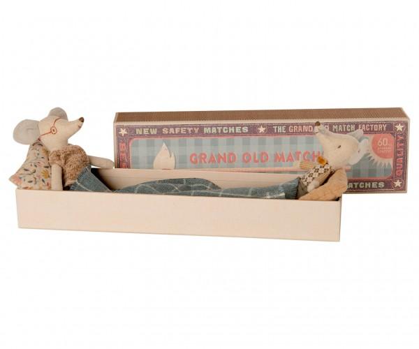 Maileg Oma und Opa Maus in einer Streichholzschachtel